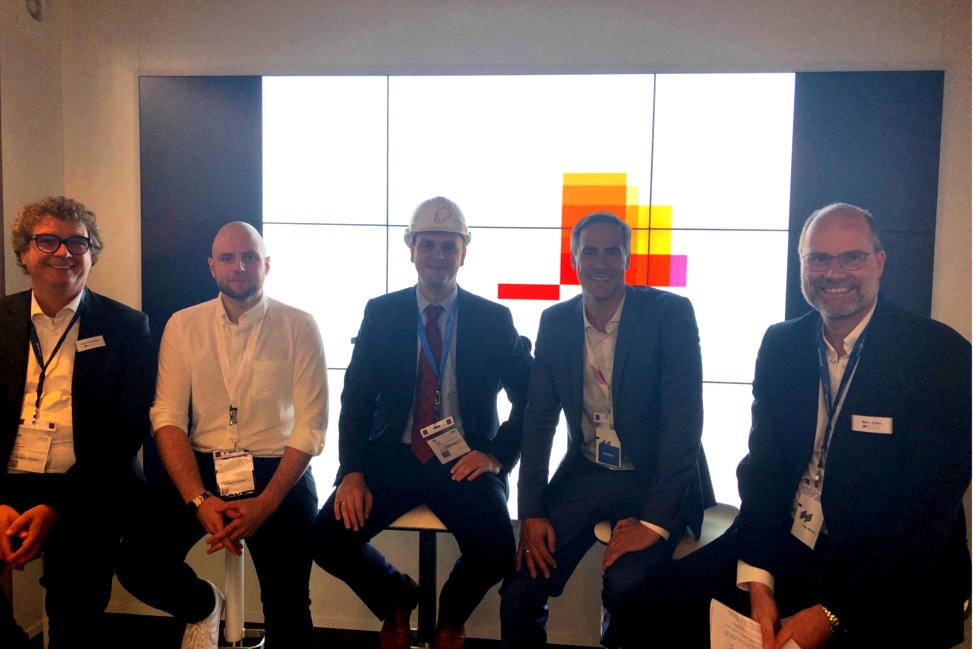 v. l.: Lars Grosenick, Jannes Fischer, Carsten Petzold, Nikolai Roth, Marc Stilke am ExpoReal-Stand der pwc, 2018