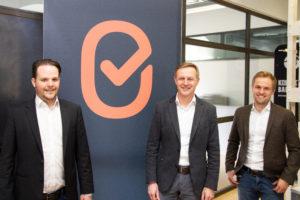 v.l.n.r.: Gründer Benjamin Speckbacher, Investor Thomas Bachmaier, Gründer Stefan Schiessl | (c) Christoph Endres